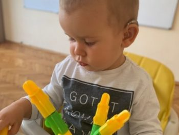 Признаци, че бебето ни може да има проблеми със слуха